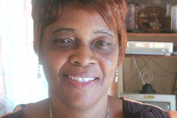 Mrs Onike Buckle